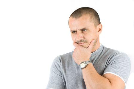 man thinking: jeune homme de pens�e isol� sur blanc