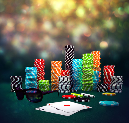 3D-afbeelding van Poker Chips, zonnebrillen en kaarten op een speeltafel.