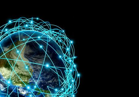 Sehr detaillierte Planeten Erde in der Nacht, von einem leuchtenden Netz umgeben, 3D-Darstellung. Standard-Bild - 37591613