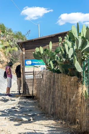 Vernazza, Cinque Terre, Italy - 26 June 2018: The Cinque Terre trekking check point at Vernazza, Cinque Terre, Italy Redactioneel