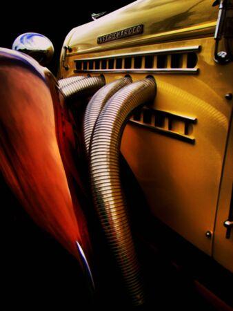 Vintage classique d'une ancienne voiture suraliment� Banque d'images