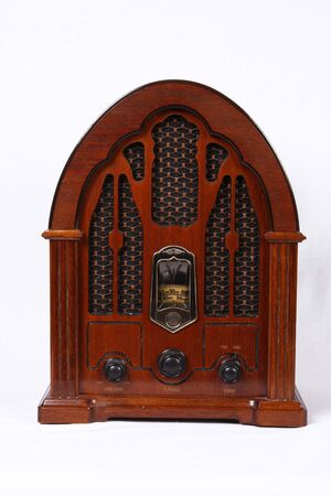 Radio r�tro sur fond isol� Banque d'images