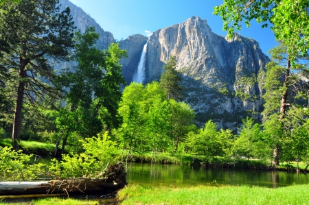 Upper Yosemite Falls, Yosemite National Park, California photo