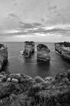 ard: Sunset (Bw) at the The Loch Ard Gorge, Great Ocean Road, Australia Stock Photo