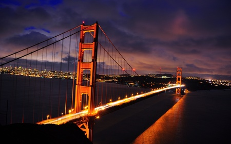 Golden Gate Bridge during a colorful evening. San Francisco 版權商用圖片