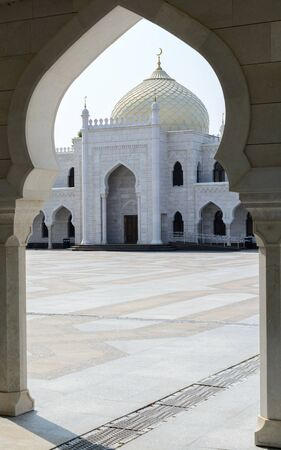 spassky: Bolgar city, Tatarstan, Russia - July 26, 2016: White mosque Editorial