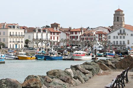 Port de pêche de Saint Jean de Luz au Pays Basque Banque d'images - 57206965