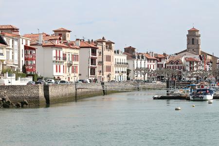 Port de pêche de Saint Jean de Luz au Pays Basque Banque d'images - 57207287