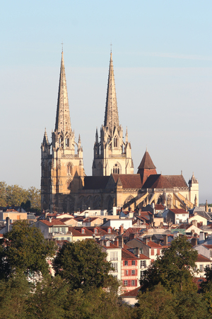 cathedral of bayonne at sunrise Banque d'images - 87943971