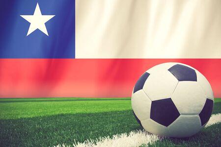 bandera de chile: Bal�n de f�tbol en el color de la bandera de la vendimia Chile Foto de archivo