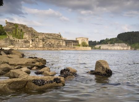 galizia: Castello di San Felipe e La Palma alla foce del Ferrol, in Galizia (Spagna) Editoriali