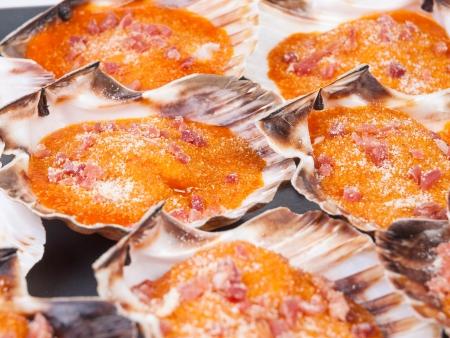 galizia: Capesante Gratin di sfondo. Un delizioso pasto della Galizia, in Spagna. Archivio Fotografico