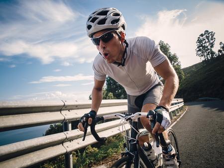 도로에 최대의 노력에 자전거 야외 스톡 콘텐츠