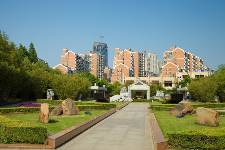 Construction of a new residential area near a park in Shanghai Éditoriale