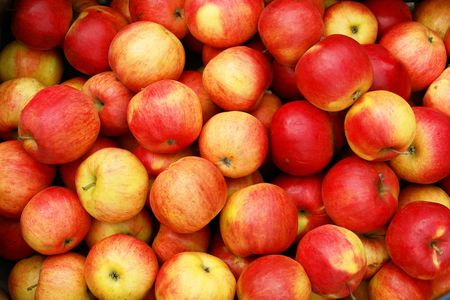 Lots of apples for sale on the market