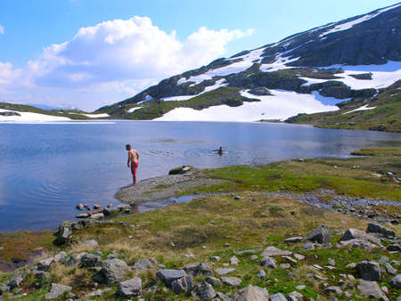 Beautiful blue lake in the Norwegian mountains Stock Photo - 9805229