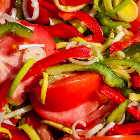 Tomato, pepper and leek salad