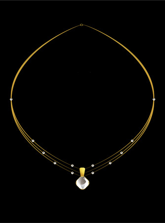 Gold and diamond necklace with simple diamond pendant