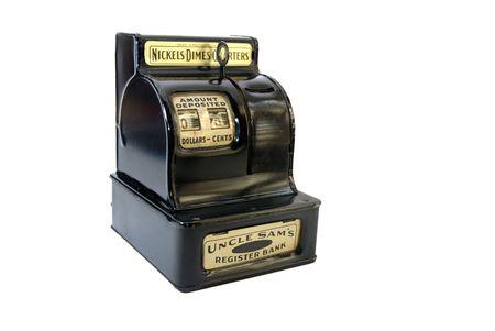 caja registradora: Anticuarios caja registradora de juguete, aislados en blanco  Foto de archivo