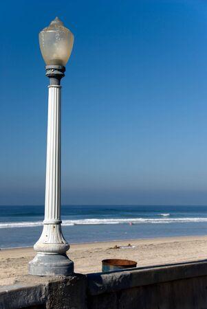 lamp post: Lampione sulla costa alla Jolla california meridionale