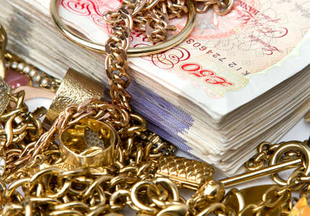 british: Gold jewelry on British Pounds