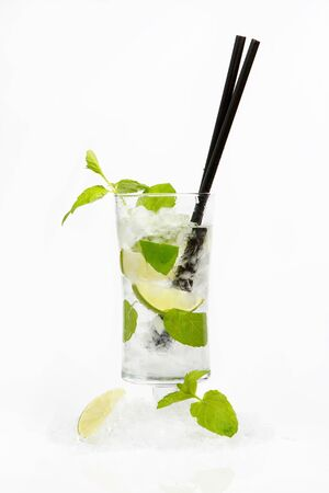 Fresh mojito cocktail Stock Photo - 9524286