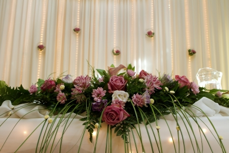 floral arrangement: Wedding table decoration