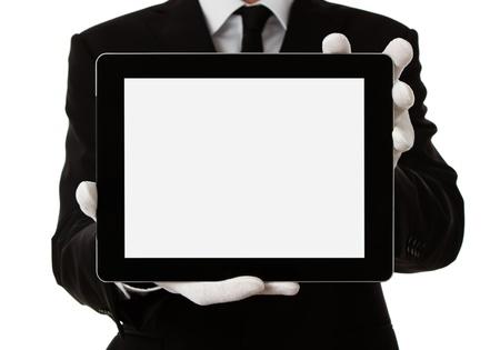 meseros: Hombre elegante presentaci�n de producto o de texto en la tableta digital, con trazado de recorte