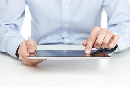 Młodych dorosłych użyciu cyfrowej tabletkę biurku
