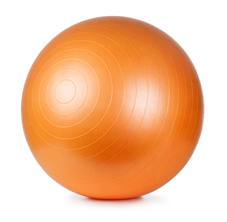 fitness: Primer plano de una bola de la aptitud de naranja aislada sobre fondo blanco