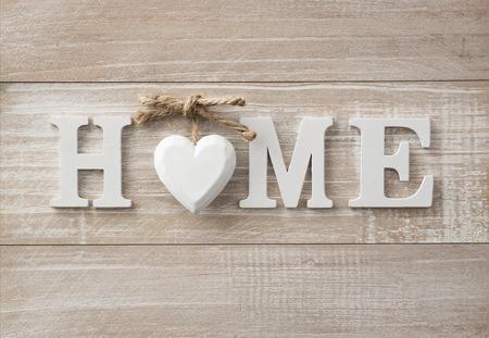 vintage: Дом, милый дом, деревянный текст на старинные доски фоне с копией пространства Фото со стока