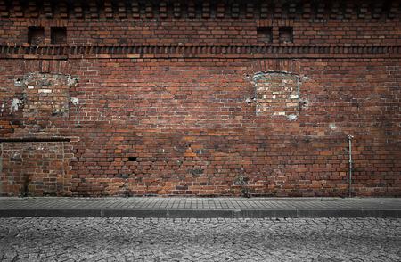 mattoncini: Capannone industriale sfondo muro