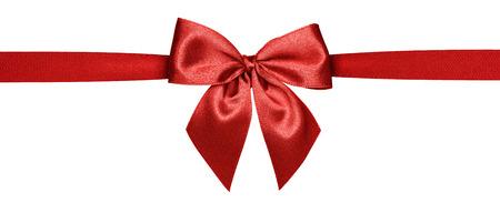 Close up de cinta roja aislada sobre fondo blanco