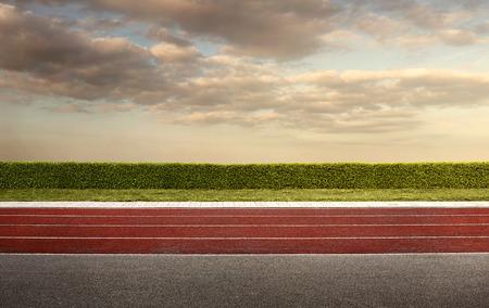 corriendo: Pista de atletismo vac�o por el fondo, con copia espacio