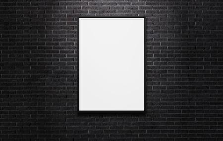 Blank Werbung Billboard auf der schwarzen Mauer Hintergrund mit Kopie Raum Lizenzfreie Bilder