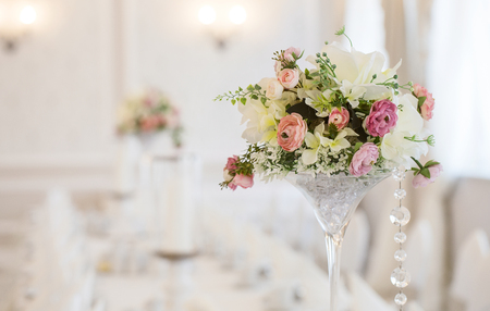 Close up of a wedding table decoration with copy space Foto de archivo