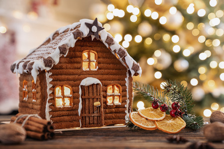 Gingerbread house on the christmas table with copy space Stockfoto