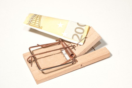 mousetrap with 200-Euro-Note photo