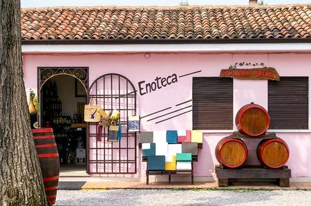 wine trade: Front of a Wine Shop at Lake Garda, Italy