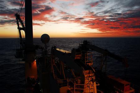 offshore sunset Imagens