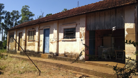 House very simple and poorly cared for a poor farm in Brazil