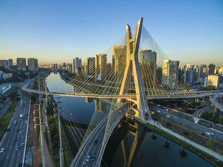 Hängebrücke. Schrägseilbrücke der Welt. Stadt Sao Paulo, Brasilien, Südamerika.