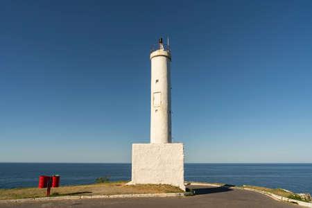 Beautiful view of the lighthouse and the sea. Ponta Negra Lighthouse. The city of Ponta Negra, State of Rio de Janeiro, Brazil. 版權商用圖片
