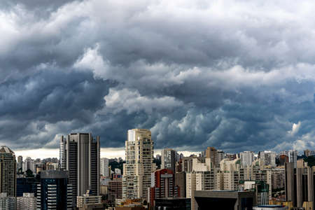 Storm in the big city. City of Sao Paulo, Brazil. South America. Imagens - 163432861