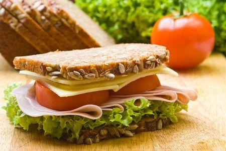 ham sandwich: Formaggi freschi integrali e panino al prosciutto