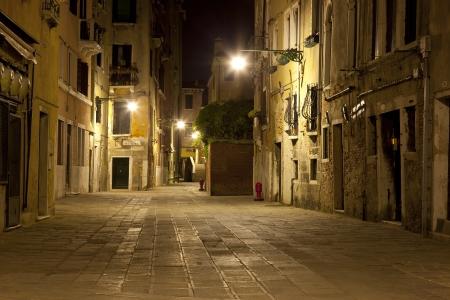 urban colors: Venecia de noche - Venecia Italia Foto de archivo