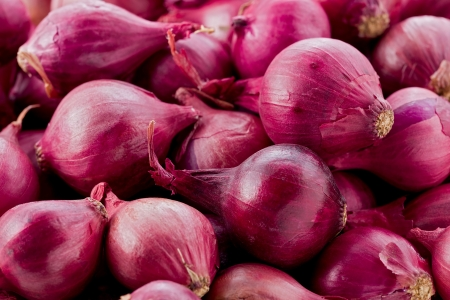 texture of red pearl onions.
