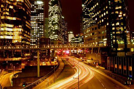luz roja: Luces de la ciudad de noche de color
