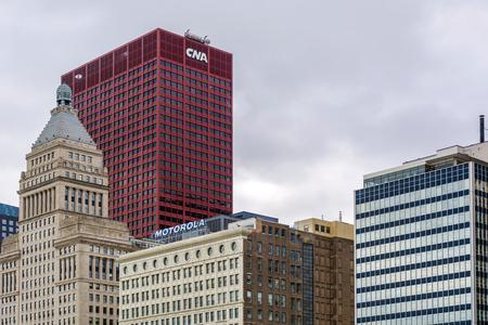 cna: Chicago. IL, EE.UU., 27 de octubre de 2016: El Centro de la CNA en el centro de Chicago, Illinois. El edificio fue terminado en el año 1972