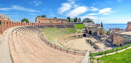 The ancient Greek Theater of Taormina in a sunny day Sicily, Italy 스톡 콘텐츠